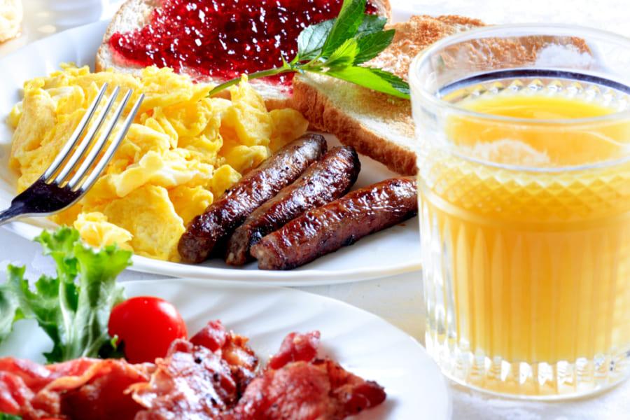 筋肉にも体内時計があると判明! タンパク質摂取がもっとも効果的なのは「朝」