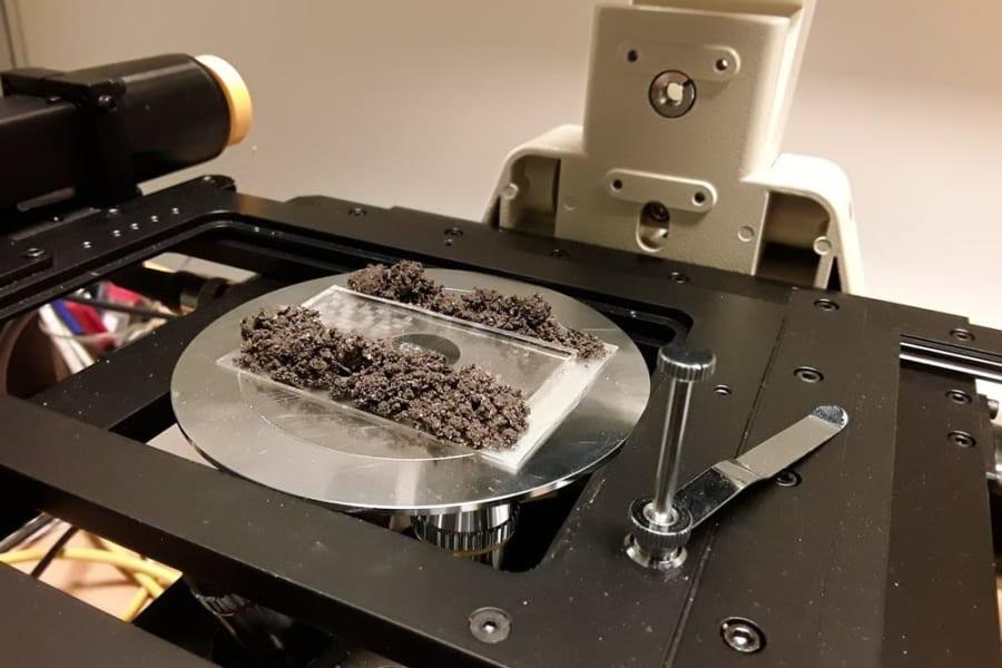 半分がマイクロチップで構成された「サイボーグ土壌」が開発される