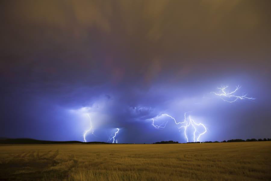 スパコン「富岳」が豪雨なのに雷が鳴ったり鳴らなかったりする理由を解明!