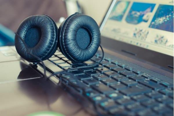 ヒットソングの流行とウイルスの感染拡大は類似したパターンを持っている